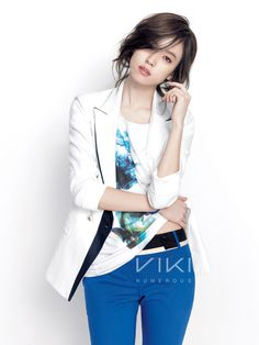 Korean actress Han Hyo-joo modelling for Viki's [Kr] 2012 S/S fashion collection. These pictures were released in April, so it's probably more for spring rather than summer. Korean Actresses, Korean Actors, Asian Actors, Korean Beauty, Asian Beauty, Asian Woman, Asian Girl, Han Hyo Joo, Yoo Ah In