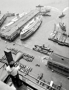 André Kertész, New York, 1939.