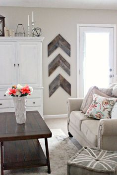 Best Farmhouse Living Room Decor Ideas , Living rooms are some of the the principal spaces in our homes. A farmhouse living room should be gorgeous. Farmhouse living room decorating a home ca. Diy Home Decor Rustic, Easy Home Decor, Cheap Home Decor, Decor Diy, Diy House Decor, Decor Crafts, Wood Crafts, Diy Crafts, Diy Home Decor For Apartments