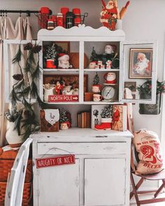 Cottage Christmas, Farmhouse Christmas Decor, Christmas Kitchen, Country Christmas, Merry Little Christmas, Christmas Love, Winter Christmas, Christmas Crafts, Retro Christmas Decorations