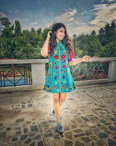Niti Taylor wearing this fusion blue dress India Fashion, High Fashion, Women's Fashion, Plain Kurti Designs, Knee Length Dresses, Short Sleeve Dresses, Niti Taylor, Girls Dp Stylish, Dress Outfits