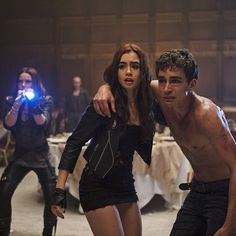 Clary Fray, Izzy Lightwood and Simon Lewis Shadowhunters TMI The Mortal Instruments