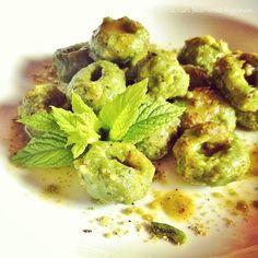 In Cucina con Mamma Agnese: Gnocchi verdi al Pesto di Pistacchio