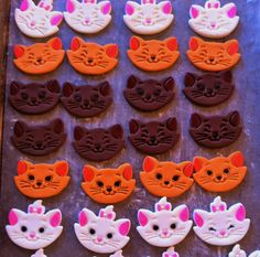 Aristocat Fondant cupcake toppers. Marie, Toulouse and Berlioze