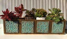 Pots D'argile, Decoupage, Gisele, Wood Boxes, Plant Decor, Vintage Flowers, Ideas Para, Concrete, Cactus