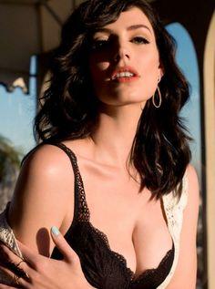 Jessica Pare heaving bosom