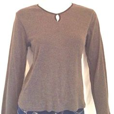 """Nine & Company Women's Long Sleeves Top Nine & Company Women's Long Sleeves Top.60% Cotton, 40% Polyester. Measurements: Armpit to armpit 18.5"""", Length of sweater 21.5"""", Sleeve Length 22"""". Nine & Company Sweaters Crew & Scoop Necks"""