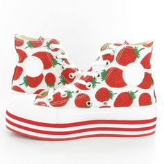 Funny & awesome sneakers > Converse Allstar platform wedges covered in tasty strawberries! Shoes Heels Wedges, Wedge Sneakers, On Shoes, Wedge Shoes, Me Too Shoes, Shoe Boots, Converse Shop, Converse Sneakers, Kawaii Fashion