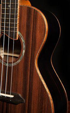 Sinker redwood top on baritone ukulele, lichty ukulele