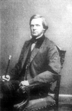 John Sherman (1823-1900), senador por Ohio durante la guerra civil estadounidense, trató de cerrar la brecha existente entre el presente Andrew Johnson (1808-1875) y el Senado (Public Domain) #miercolesretratos #EnciclopediaLibre