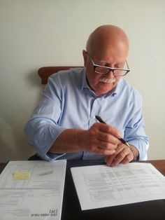 Giuseppe Pavarani, The Director, at work...sometimes without jacket!