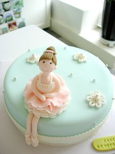 Love this #ballerina cake
