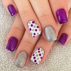 We have found 40 of the very best nail art designs for you! All of these nail art designs feature unique designs and beautiful displays of art. Being able to provide art on your very own nails speaks volumes on how you keep up with your own appearance.
