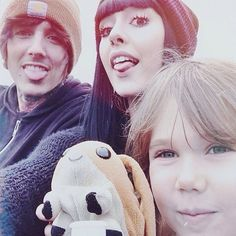 Oliver Sykes & Hannah Snowdon c: They are too cute! I can't believe they're engaged!