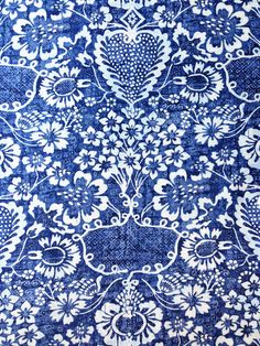 The Pink Pagoda: Blue and White Monday -- Blue and White Fabric- Ralph Lauren, La Garoupe Indigo