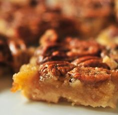 Southern Pecan Pie Bars - My goodness these are awesome! That crust and nutty pecan topping! // addapinch Southern Pecan Pie Bars - My goodness these are awesome! That crust and nutty pecan topping! Brownie Desserts, Just Desserts, Delicious Desserts, Yummy Food, Dessert Bars, Dessert Crepes, Best Pecan Pie, Pecan Pie Bars, Pie Recipes