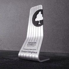 Trofeo diseñado en exclusiva para el Primavera Sound. Aluminio.