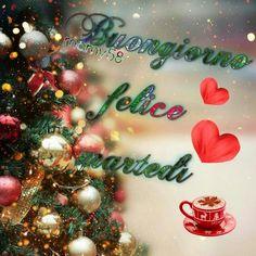 Christmas Wreaths, Christmas Bulbs, Ornament Wreath, Holiday Decor, Link, Beautiful, Italian Greetings, Xmas Pics, Christmas Light Bulbs