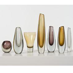 Gunnel Nyman (1909-1948), Ensemble de sept vases, Verre soufflé, Édition Nuutasjärvi Notsjö, Signés, Date de création: vers 1950