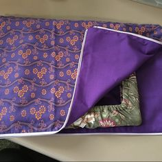 Jodi ordered the double zipped bag as well.... love this purple fabric with orange flowers, its so vibrant.