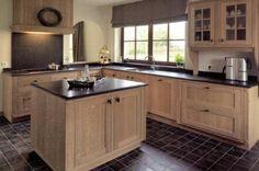 Black Backsplash, Love Home, House Made, Cottage Homes, Kitchen Design, Kitchen Ideas, Kitchen And Bath, Home Kitchens, New England Style