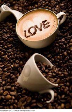 ·:*¨¨*:Coffee♥Art:*¨¨*:·. beans Coffee - Jürgen S.·:*¨¨*:Coffee♥Art:*¨¨*:·. Coffee Shop, Coffee Talk, I Love Coffee, Coffee Break, Morning Coffee, Coffee Lovers, Coffee Drinks, Coffee Cups, Coffee Coffee