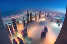 【異世界】ただでさえドバイ「世界一高い超高層ビル」の夜明け前が、想像を絶する美しさ:DDN JAPAN