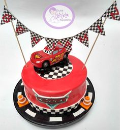 Top 20 Fastest Cars in the World [Best Picture Fastest Sports Cars] Boys 1st Birthday Cake, Cars Birthday Parties, Cool Birthday Cakes, Cars Cake Design, New Supercars, Car Cake Tutorial, Mcqueen Cake, Cars Birthday Invitations, Car Themes