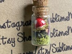 Voss Bottle, Bottles, Crochet Faces, Miniature Fairy Gardens, Free Items, Mason Jars, Wax, Miniatures, Cotton