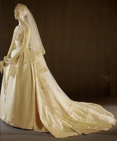 Grace Kelly wedding dress.