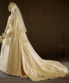 Grace Kelly wedding dress.