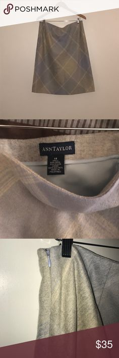 New✨ Ann Taylor wool skirt! Size 14 Below knew length  69% wool 31% nylon  Beautiful blue and cream pattern!  Perfect for the fall/winter Ann Taylor Skirts Midi