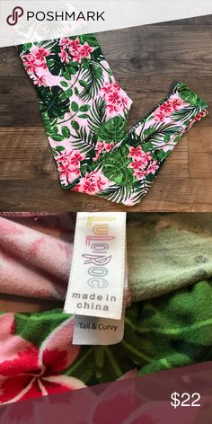 Lularoe Unicorn Legging! 🦄 🦄 🦄 Lularoe unicorn legging! This pink Hawaiian inspired print is a hard one to come by! Only worn twice, and washed to Lularoe standards, these are still the buttery soft leggings everyone loves with LOTS of life left! LuLaRoe Pants Leggings