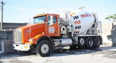 Kenworth W900S Keeps Monarch Cement in the Mix