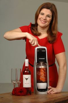 Helen McGinn tries out using a SodaStream to make alternative champagne....um why haven't I thought of this yet
