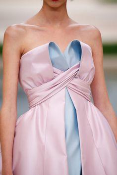 Details at Chanel Couture Spring 2019 - Denim dress - Chanel Couture Spring 2019 Details - Chanel Couture, Haute Couture Dresses, Haute Couture Fashion, Couture Details, Fashion Details, Fashion Design, Runway Fashion, Fashion News, Womens Fashion