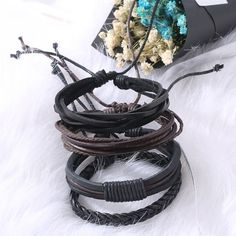 A new and unique Mens leather bracelets 2018 Pulseira Masculina Jewelry Charm Bileklik Pulseiras Boyfriend Girlfriend with attractive looks is here. Special feature is that you can adjust this bracelet. This bracelet will worth your money. Bracelets Fins, Bracelets Design, Bangle Bracelets, Bangles, Bracelets For Boyfriend, Bracelets For Men, Bracelet Cuir, Bracelet Set, Leather Charm Bracelets