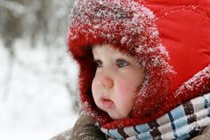 How to Make Sure Your Little One is Warm Enough - Cozy living Winter Kids, Baby Winter, Winter Day, Winter Cabin, Winter House, Winter Snow, One Year Old Baby, Babies First Year, Best Winter Hats