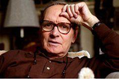 ROMA – Ennio Morricone si è aggiudicato il Golden Globe grazie alle musiche composte per 'The hateful eight' di Quentin Tarantino. E' il terzo nella carriera del maestro: il primo arrivò nel 1986 grazie a 'The Mission', poi ci fu quello per 'La le...