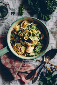 Krämig kantarellpasta med grönkål & selleripesto   Cashew Kitchen