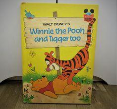Winnie The Pooh Friends, Vintage Winnie The Pooh, Disney Winnie The Pooh, Pooh Bear, Tigger, Disney Book Club, Minnie Mouse Toys, Precious Children, Walt Disney Company