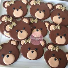 """293 Likes, 14 Comments - Cheryl Nuevo (@shingbakes) on Instagram: """"For a """"beary"""" special birthday girl!!! A request for simple bears with gold bows ✨✨✨ using…"""""""