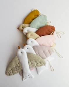 Sewing For Kids, Baby Sewing, Diy For Kids, Kids Wall Decor, Nursery Decor, Diy Doll Pattern, Crib Toys, Baby Crib Mobile, Baby Store