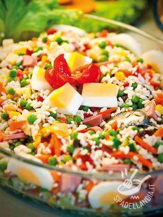 Il Riso Primavera è uno dei grandi classici fra le pietanze che fanno da piatto unico. Adattissimo a tutte le occasioni, è sempre molto apprezzato.