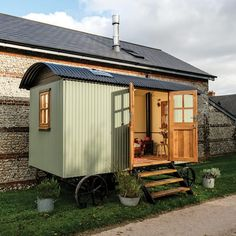 Explore the Plankbridge Cabin, a shepherd's hut which is wider, larger and can fit a bathroom and kitchen. Garden Huts, Garden Cabins, Hut House, Tiny House, Shepherds Hut, Garden Buildings, Garden Office, Backyard, Patio