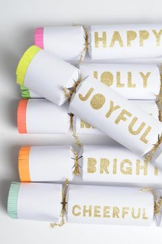 DIY Large Neon Cracker Gifts for your Festival Holiday Party! Christmas Trends, Modern Christmas, Christmas Inspiration, Christmas Time, Christmas Crafts, Christmas Decorations, Holiday Decorating, Diy Christmas Crackers, Homemade Christmas