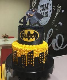 Superhero Theme Party, Batman Party, Superhero Cake, Batman Birthday Cakes, Batman Cakes, Baby Boy 1st Birthday Party, Kids Birthday Themes, Character Cakes, Cakes For Boys