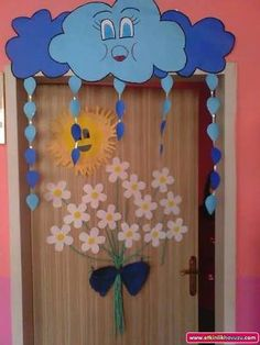 Cloudy Classroom Door Ornament CLASS ORNAMENTS - It is the center of sharing all kinds of activities about preschool education in which all aspects - Kids Crafts, Preschool Activities, Diy And Crafts, Arts And Crafts, Paper Crafts, Decoration Creche, Class Decoration, School Decorations, School Doors