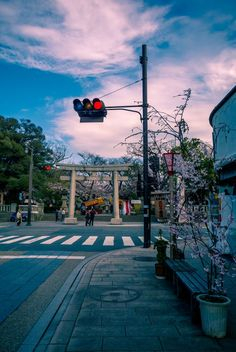 Find images and videos about japan on We Heart It - the app to get lost in what you love. City Aesthetic, Aesthetic Photo, Aesthetic Pictures, Aesthetic Backgrounds, Aesthetic Wallpapers, Street Photography, Landscape Photography, Beautiful World, Beautiful Places