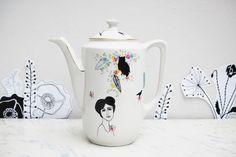 http://sosuperawesome.com/post/133009167817/sosuperawesome-vintage-illustrated-porcelain